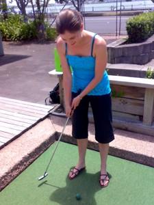 sarah_golf_300px