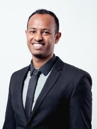Dr Akilesh Gokul
